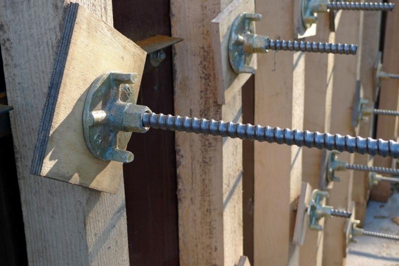 Крепление бетон лестница из бетона цена в москве